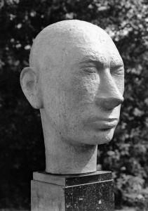 Noordhollander 1953, terracotta, 37,5 x 22 x 26 cm versch. verblijfpl.