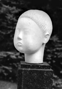 Stéphane 1060, wit marmer, 23 x 14 x 18 cm Parijs, part. coll.